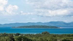毗邻雅慕角的海景地块